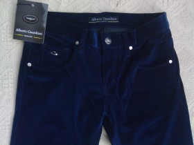 *Alberto Guardiani*  Italy  Comford Fit, size 31
