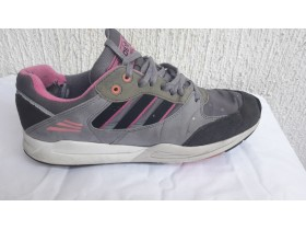 ADIDAS  TECH SUPER br.42  ****ORIGINAL***