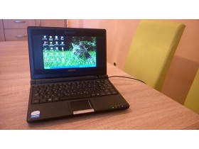 ASUS EEE PC 4G Surf Intel-CelM 900MHz 512MB 4GB SSD 7.0