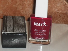 AVON Mark lak za nokte, Very Berry, NOVO