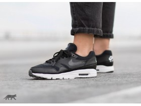 Air Max 1 Ultra Essentials  broj 37,5