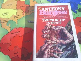 Anthony Burgess - TREMOR OF INTENT