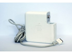 Apple MagSafe power adapter 85W [1]