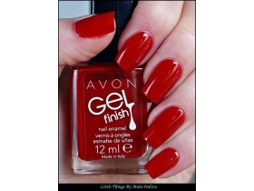 Avon Mark lak sa efektom gela ROSES ARE RED