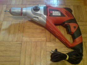Busilica Black&Decker kr110