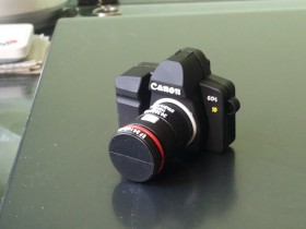 Canon camera USB flash 32GB-NOVO