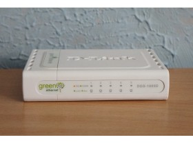 D-Link DGS-1005D Gigabitni switch