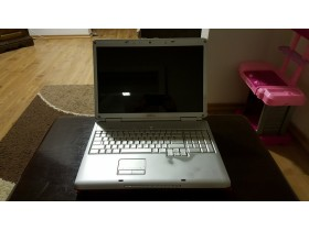 DELL inspiron 1721, 17 inc, 2.5GB RAM, 150 GB HDD, FULL