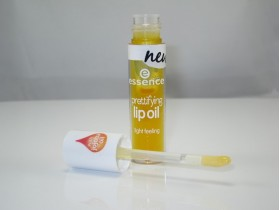 ESSENCE LIP OIL 01 I CARE FOR YOU, HONEY