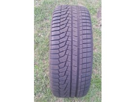 HANKOOK WINTER I*CEPT EVO 2 235/45R18
