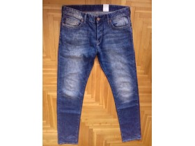 H&M  Slim FIT *NOVO*