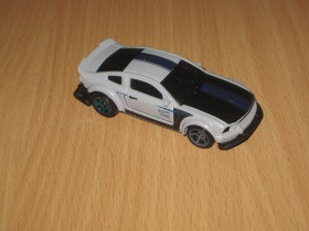 Hot Wheels 2005 Ford Mustang