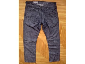 LEVIS 514 X  made in cambodia