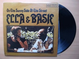LP - ON THE SUNNY SIDE OF THE STREET - ELLA / BASIE