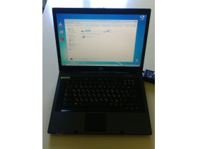 Laptop HP Compaq NX8220 15 inča