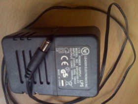 Lei AC adapter 12V 1A