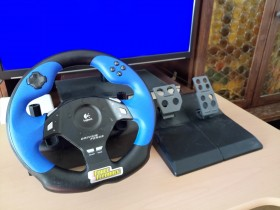 Logitech  Driving Force FeedBack
