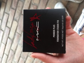 MAC LADY GAGA POWDER PLUS FONDATION STUDIO FIX