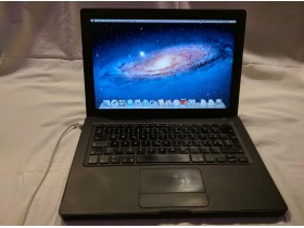 MacBook A1181 black