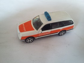 Matchbox Mercedes-Benz E 430 Wagon Ambulance