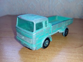 Matchbox - Mercedes Truck - Made in England by Lesney