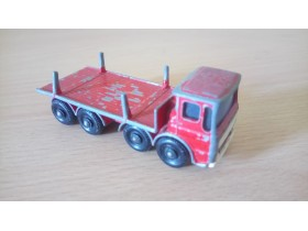 Matchbox - Pipe Truck - Ergomatic cab No.10 by Lesney