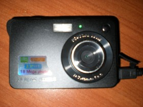 "Mini 2.7"" TFT LCD Digital Camera 18MP HD"