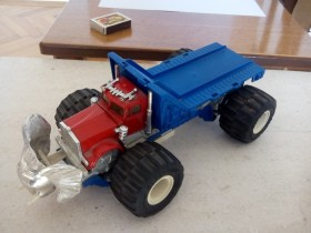 Monster truck (majorette) !
