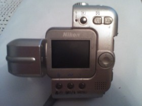 Nikon COOLPIX SQ Digital Camera [3MP 3xOptical]