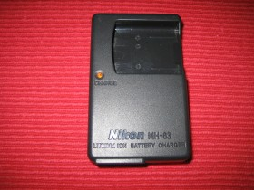 Nikon MH-63 battery charger 4,2V-0,55A