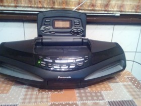 PANASONIC  RX-ED77 RADIO ,TAPE CD PRENOSNI