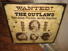RASPRODAJA    wanted -the outlaws-