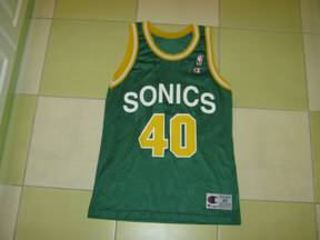 NBA dresovi, kupovina, prodaja, razmena... - Page 38 Slika-SHON-KEMP-SIJETL-SUPER-SONIKS-32474477v288h216