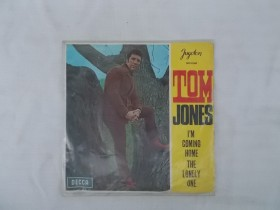 TOM JONES - I M COMING HOME THE LONELY ONE
