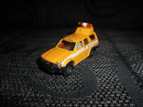 TOMICA Toyota Hilux Surf