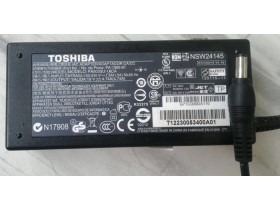 Toshiba adapter 19V 4,74A 90W 5.5x2.5mm