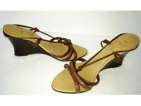 ZARA BRAON SANDALE BR 39 MADE IN BRAZIL