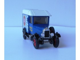 auto Matchbox MORIRIS light VAN 1929  Made in Macau