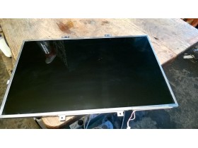 displej za laptop  15,4 inch