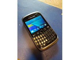 mobilni telefon blackberry 9320