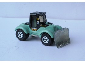 traktor matchbox TRACTOR PLOW Made in Thailand  2005.