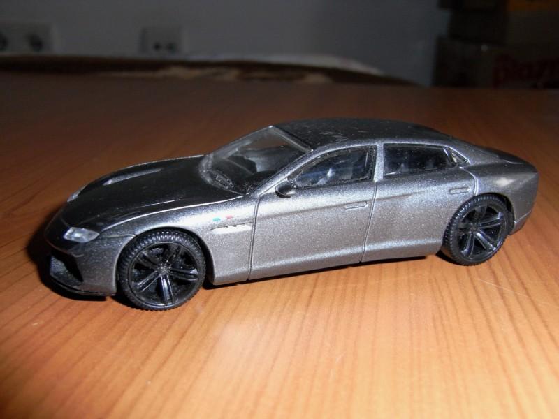 Automobil-igračka LAMBORDŽINI.
