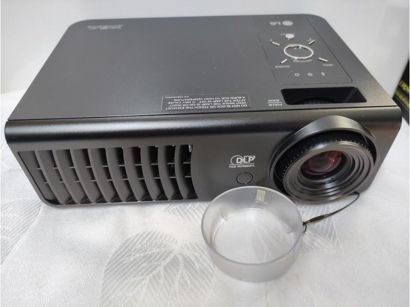 LG projektor BX324 XGA