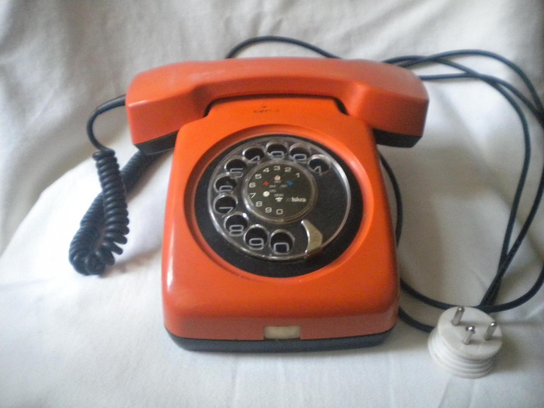 Kupovina IT proizvoda - Page 9 Originalslika_Telefon-ISKRA-1980-sa-garancijom-168119381