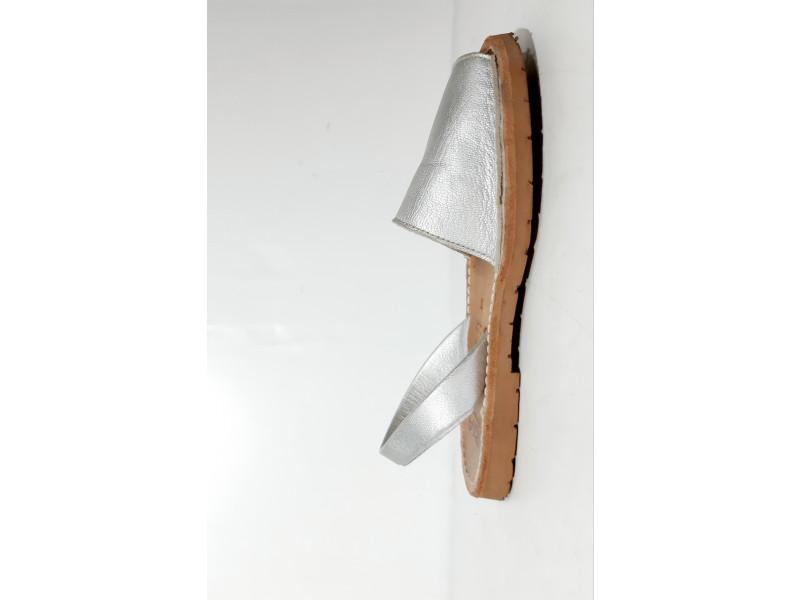 Ria kozne sandalice -br.33 - Novo