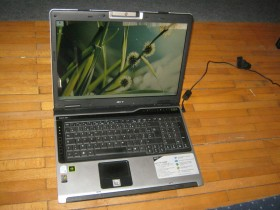 17 inci acer dual core 1,6ghz /2GB DDR2/80 HDD/kamera