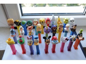 LOT pez figuricA 29 KOM
