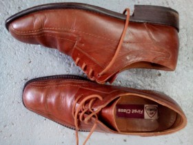 O muškarcima i cipelama - Page 3 Slika-MODERNE-KOZNE-MUSKE-CIPELE-42-br-26-5-gaz--147489273v280h210