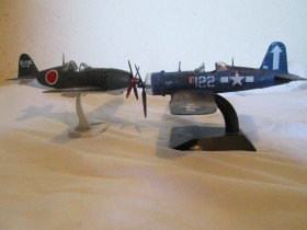 Raiden vs Corsair 1945. 1/72