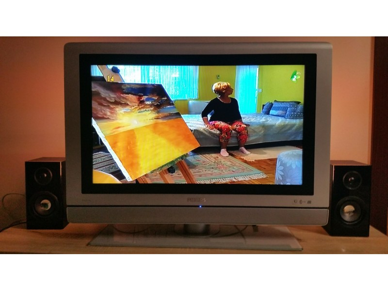2.LCD tv PHILIPS 32 inca AMBILIGHT top ponuda!